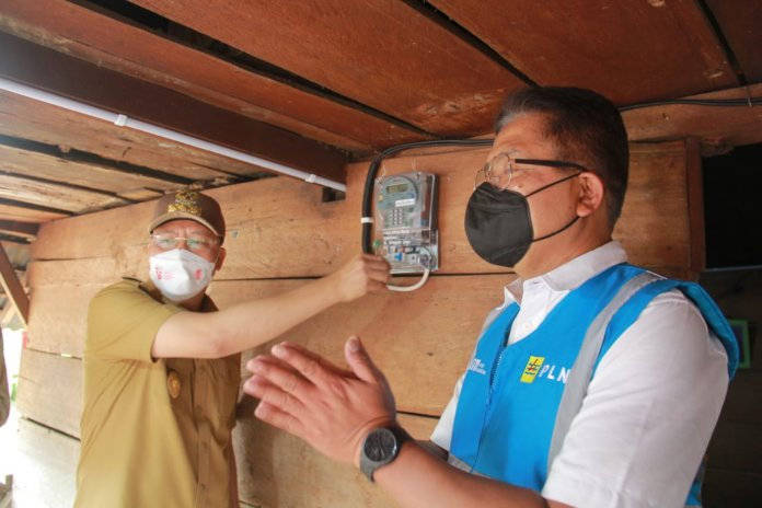 Gubernur Rohidin: Pemasangan Listrik Gratis Difokuskan di Desa Kategori 3T